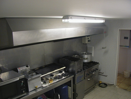Travaux de r novation laboratoire cuisine restaurant tutti for Amenagement cuisine professionnelle restaurant